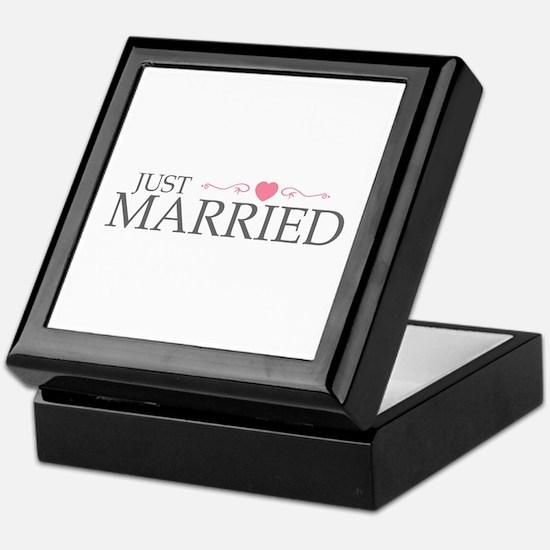 Just Married (Heart Scroll Pink) Keepsake Box