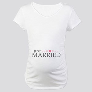 Just Married (Heart Scroll Pink) Maternity T-Shirt