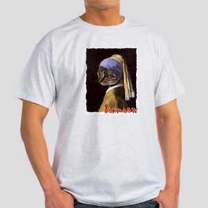 Cat VERMEER EARRING Light T-Shirt