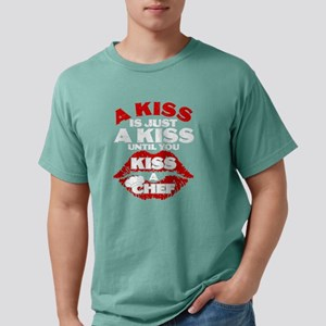 A Kiss Is Just A Kiss Until You Kiss A Che T-Shirt