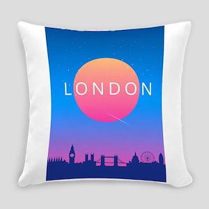 London Skyline Sunset Travel Poste Everyday Pillow