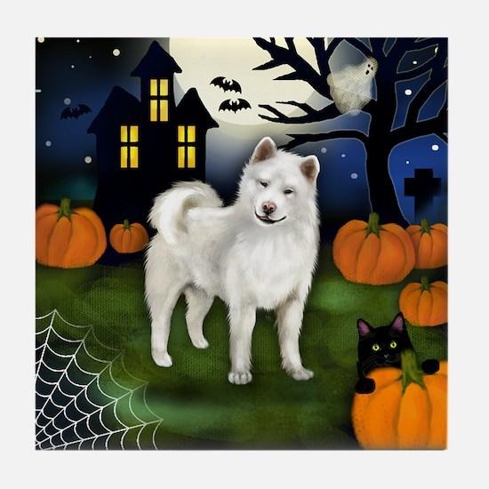 WHITE AKITA DOG HALLOWEEN NIGHT Tile Coaster