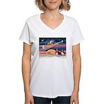Xmas Star & 2 Bassets Women's V-Neck T-Shirt
