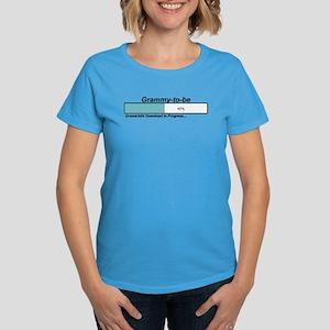 Download Grammy to Be Women's Dark T-Shirt