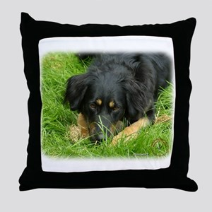 Hovawart 9W009D-064. Throw Pillow