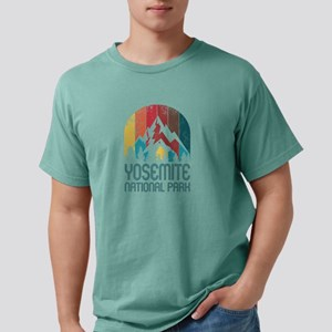 Retro Distressed Yosemite National Park De T-Shirt