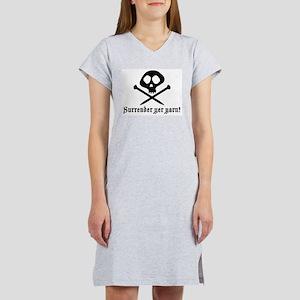 Surrender yer Yarn (yarn pirate) Ash Grey T-Shirt