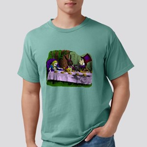 alice in wonderland tea party mad hatter T-Shirt