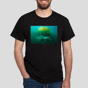 Robot submarine ALIVE T-Shirt