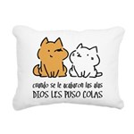 Dios les puso colas Rectangular Canvas Pillow