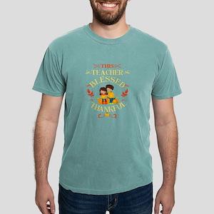 Autum Fall Thanksgiving Teacher Gift This T-Shirt