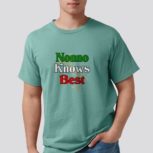 Nonno Knows Bes T-Shirt