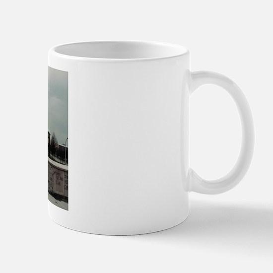 bb_gate_1 Mugs