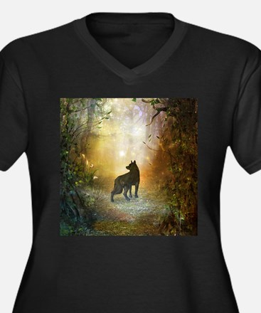 The lonely wolf in the night Plus Size T-Shirt