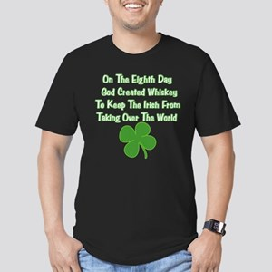 Irish Whiskey Men's Fitted T-Shirt (dark)