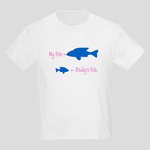 fish-- Annie copy T-Shirt
