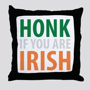 honk if you are irish Throw Pillow