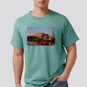 Paddlesteamer, morning light T-Shirt