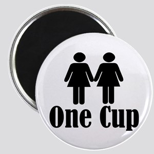 2 girls 1 cup Magnet