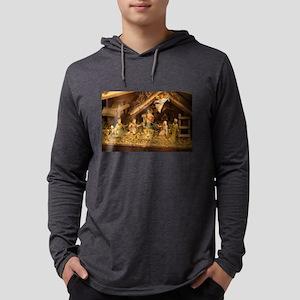 traditional nativity scene Long Sleeve T-Shirt