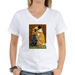 Kiss / Flat Coated Retriever Women's V-Neck T-Shir