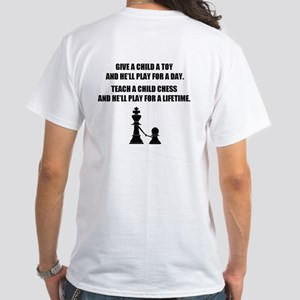 Teach a child chess (White T-Shirt)