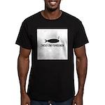 'Chicks Dig Fishermen' Men's Fitted T-Shirt (dark)