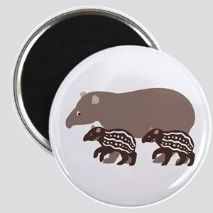 Tapir Family A Magnet