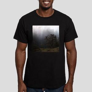 Misty Trees Men's Fitted T-Shirt (dark)