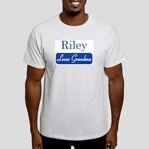 Riley loves grandma Light T-Shirt