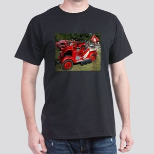 Japanese Datson fire engine Black T-Shirt