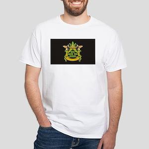 queen blk wide T-Shirt