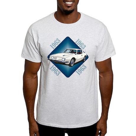 The Avenue Art Light T-Shirt