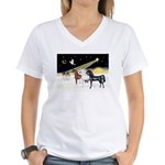 XmsDove/3 Horses (Ar) Women's V-Neck T-Shirt