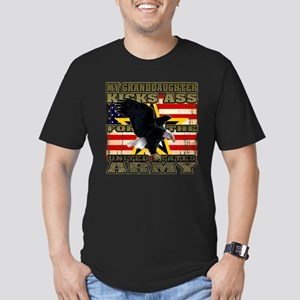 Army Granddaughter Men's Fitted T-Shirt (dark)