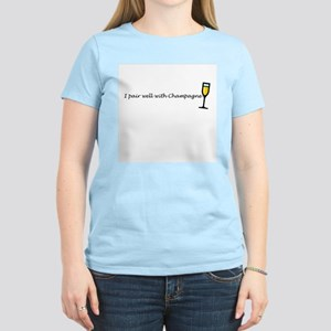 I pair well with champagne Women's Light T-Shirt