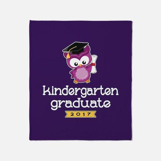 Kindergarten Grad 2017 Throw Blanket