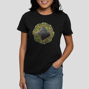 Schipperke Xmas Wreath Women's Dark T-Shirt