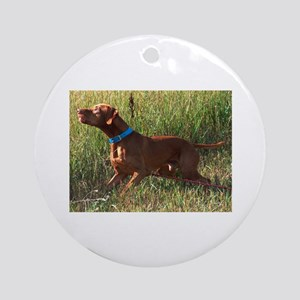 Field Vizsla Ornament (Round)
