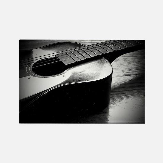 Old Guitar (L) Rectangle Magnet