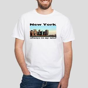 "NEW YORK ""Always on my mind"" skyline White T-Shirt"