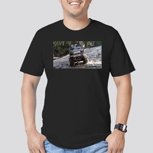 MUDDY R/C TOYOTA TUNDRA Men's Fitted T-Shirt (dark