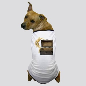 Looking in the trunk Dog T-Shirt