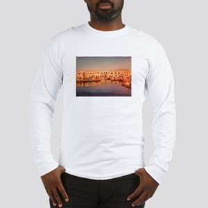 the harbour in naoussa Long Sleeve T-Shirt