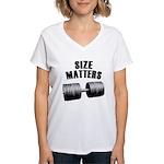 Size matters Women's V-Neck T-Shirt