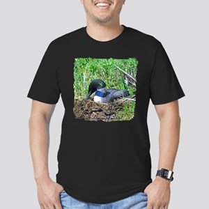 Loon on nest Men's Fitted T-Shirt (dark)