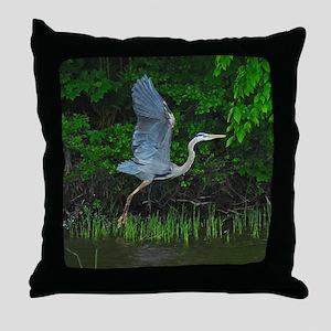 Heron taking flight Throw Pillow