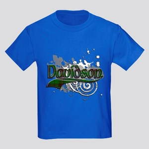 Davidson Tartan Grunge Kids Dark T-Shirt