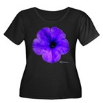 Petunia Flower Women's Plus Size Scoop Neck Dark T
