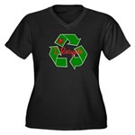 I Recycle Women's Plus Size V-Neck Dark T-Shirt